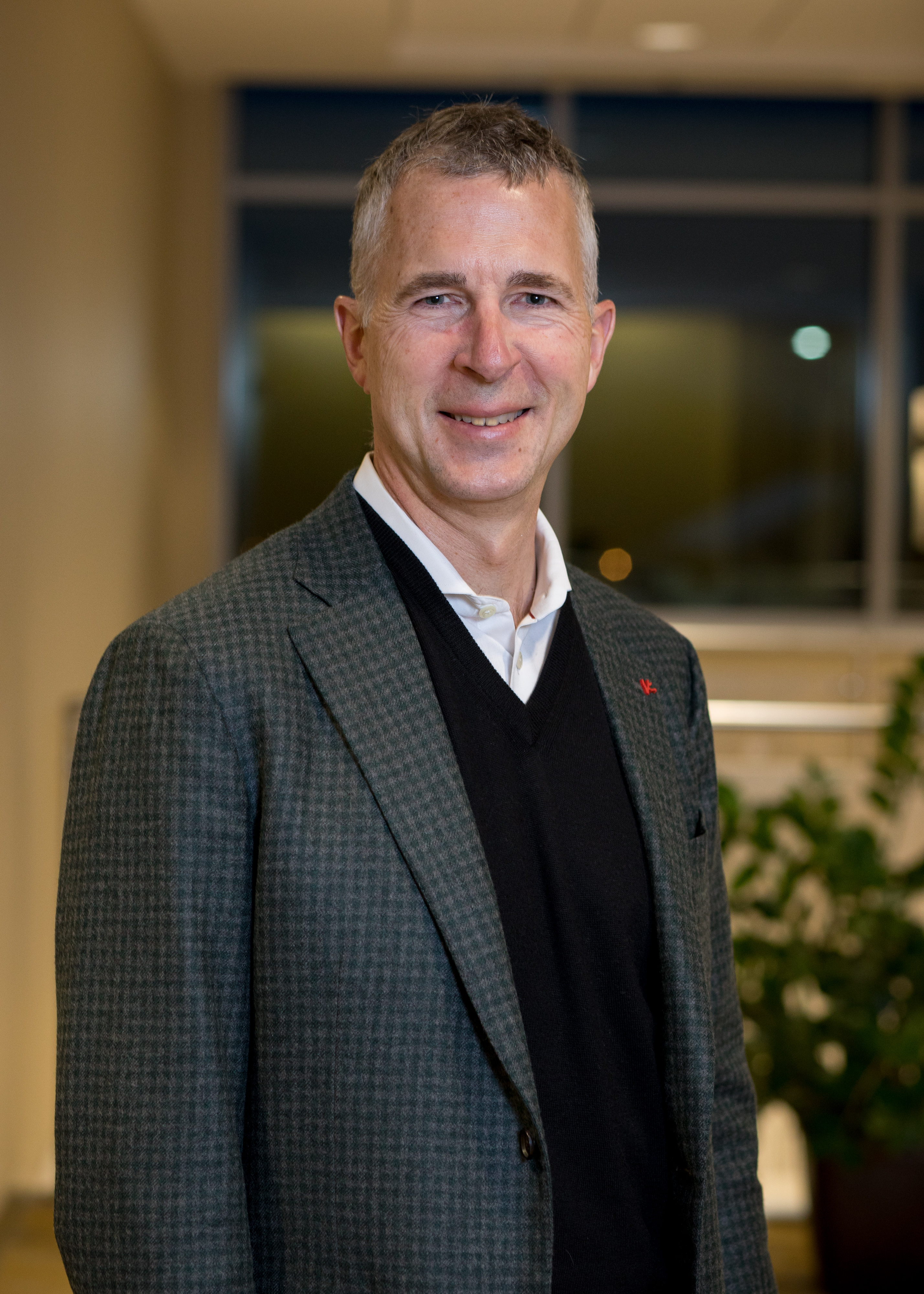 Robert M  Roach, M D  | Metropolitan Neurosurgery